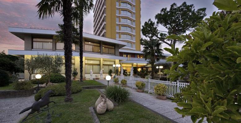 Hotel-Augustus-vorne_778x400