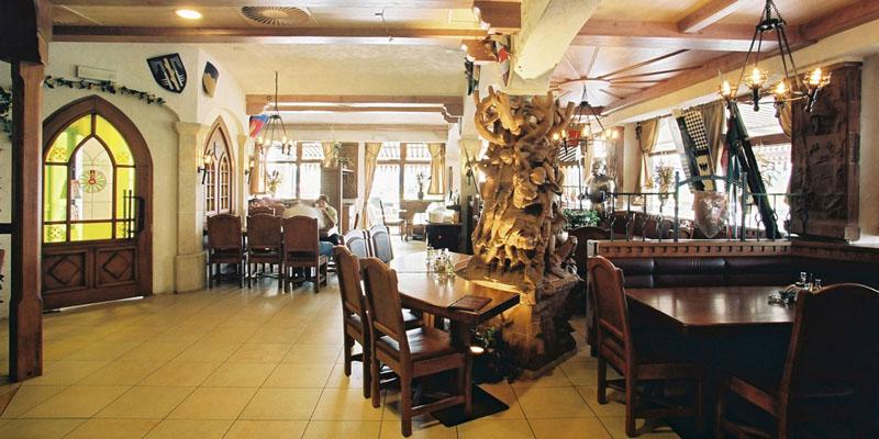 hrad-restaurace1_©Excalibur-City_800