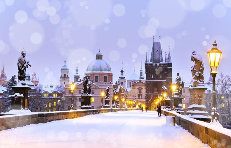 Advent-Prag-Karlsbrücke-Fotolia_75190067_L_778x500