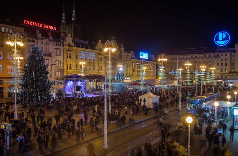 Advent-on-the-main-square1_-©Igor-Nobilo_778x510