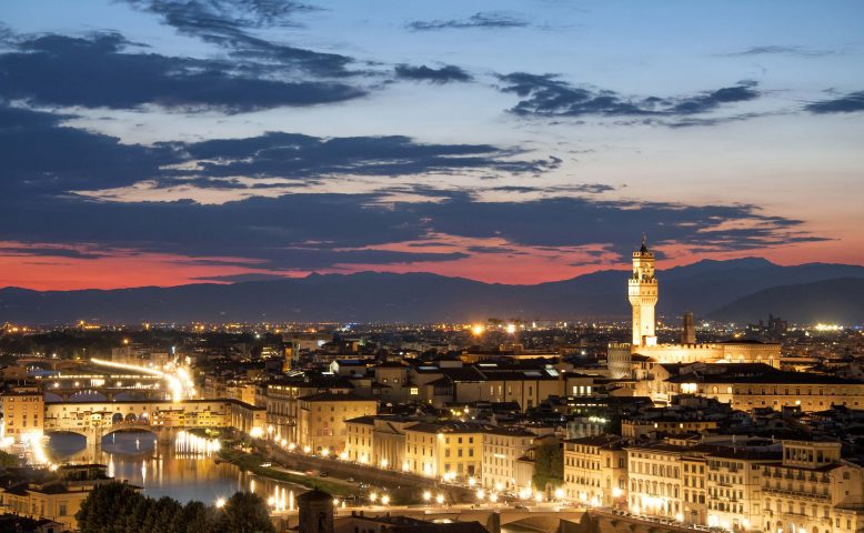 Panoramic view of Florence Duomo and Palazzo Vecchio at sunset,